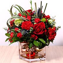 Decorative Xmas Floral Vase: Christmas Flowers to Dubai