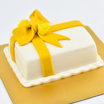 Designer Gift Wrapped Mono Cake: Gifts for Teen Boys