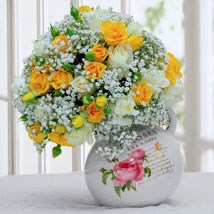 Gorgeous Flower Arrangement: Mothers Day Gifts