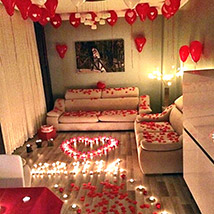 Romantic Decor Of Balloons and Candles: Gifts Delivery in Dubai
