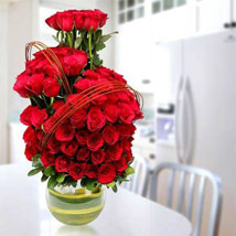 Romantic Arrangement: Wedding Anniversary Gifts for Parents