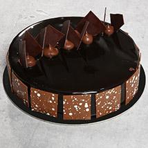 Fudge Cake OM: Oman Gift delivery