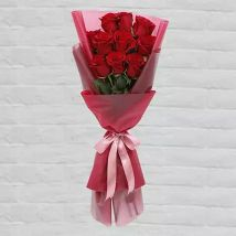 10 Red Roses Bouquet: Gift Delivery in Qatar