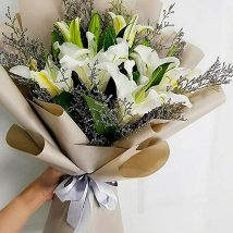 Mini White Lily Bouquet: Fathers Day Gifts to Saudi Arabia